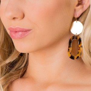 Francesca's Bianca tortoise oval drop earrings